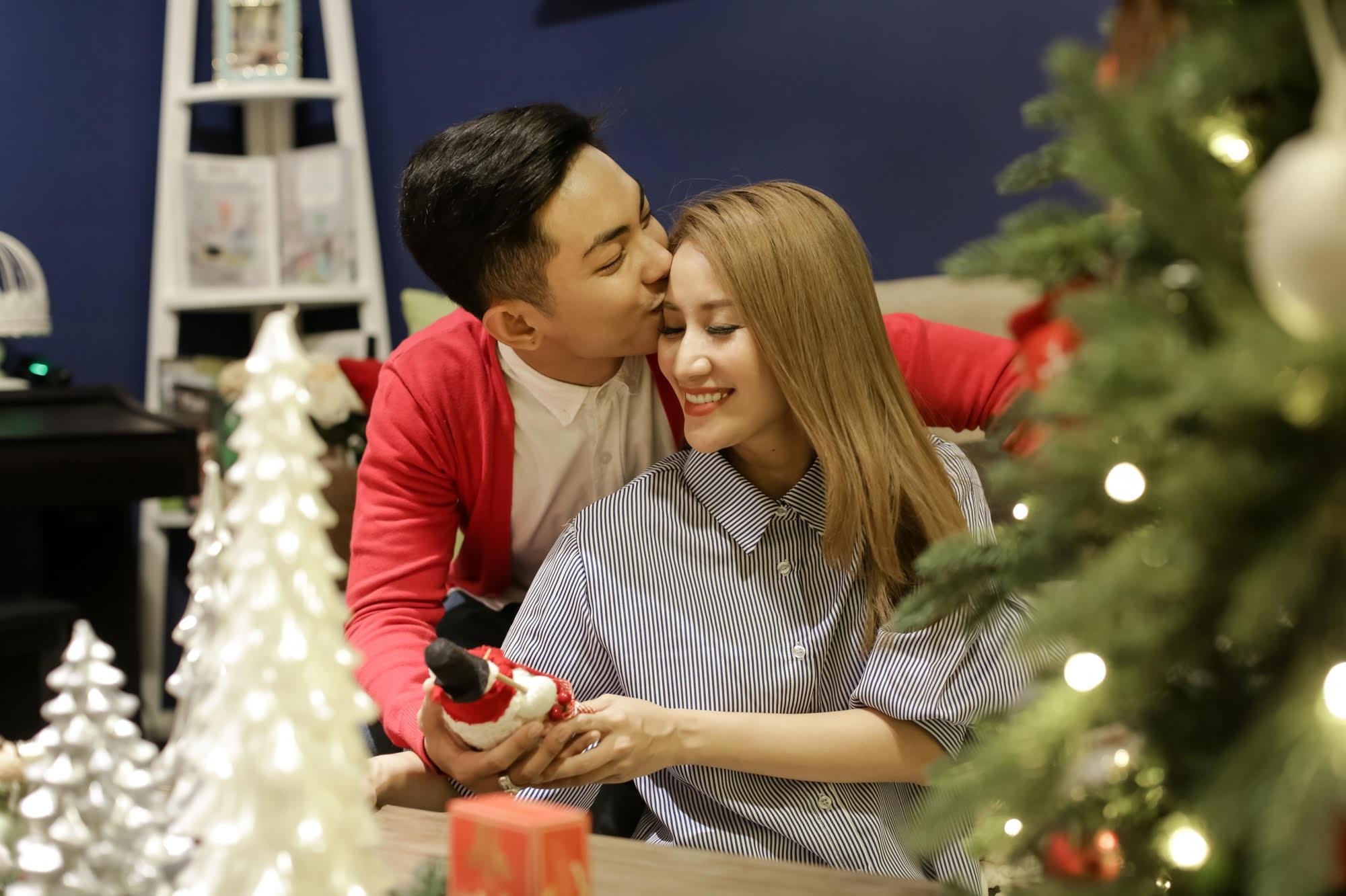 Những lời chúc mừng giáng sinh ngọt ngào sẽ khiến trái tim nàng tan chảy trong mùa đông lạnh giá