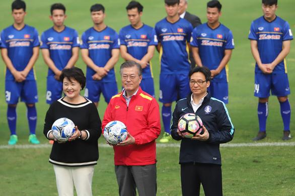 Tổng thống Hàn Quốc chúc mừng VN vô địch AFF Cup 2018 bằng tiếng Việt - Ảnh 2