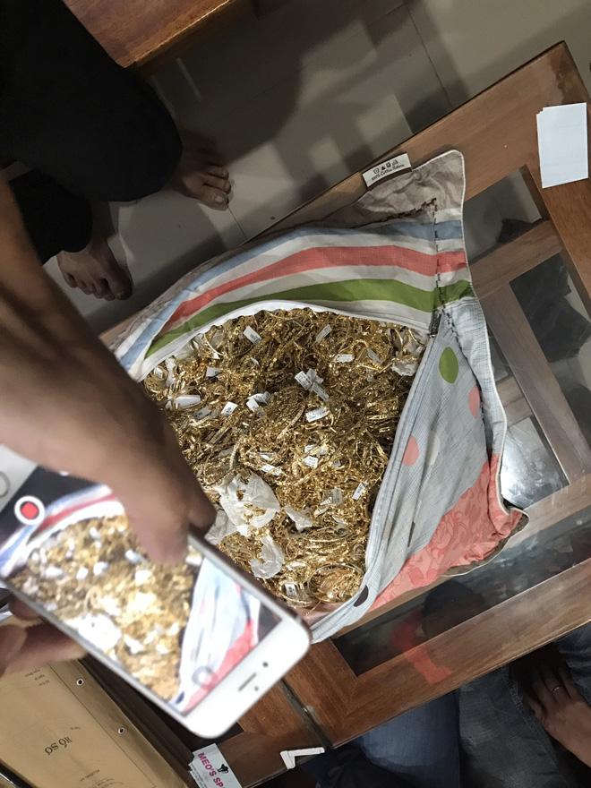 Công an Quảng Nam tìm chủ sở hữu của 230 lượng vàng không rõ nguồn gốc - Ảnh 2