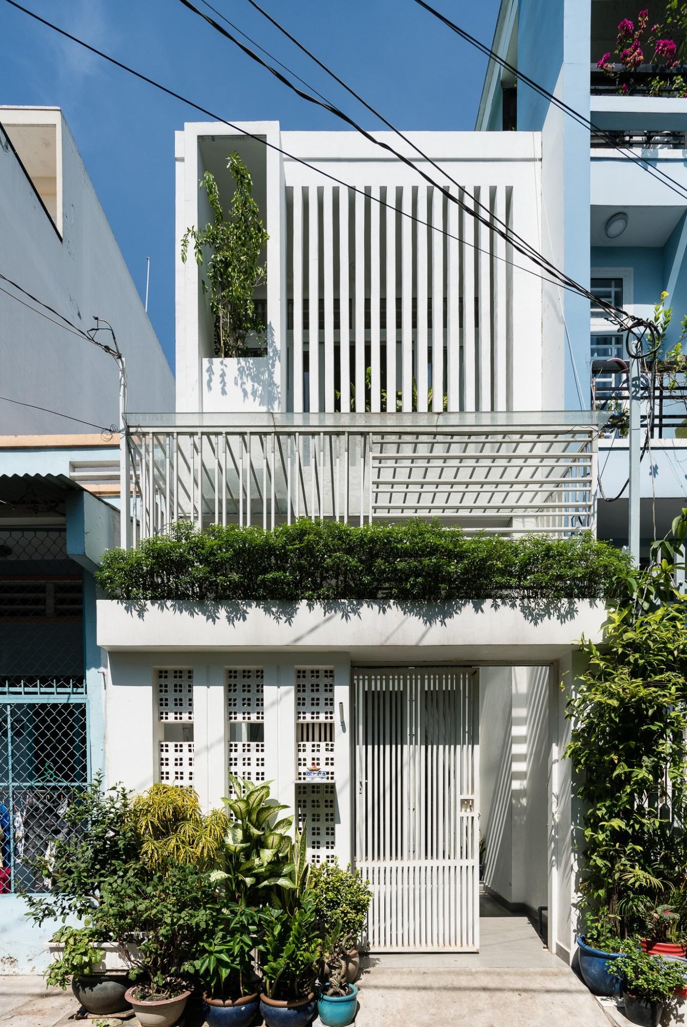 Ngôi nhà ống chỉ 53m² nhưng mỗi khi về nhà, các thành viên trong gia đình đều được trút bỏ mọi áp lực của cuộc sống ở Sài Gòn - Ảnh 2