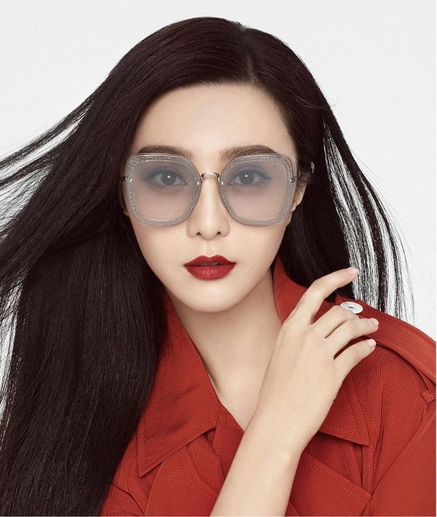 Sau bê bối trốn thuế, Phạm Băng Băng đã 'trở lại và sang chảnh hơn xưa' trong loạt ảnh quảng cáo mới nhất - Ảnh 2