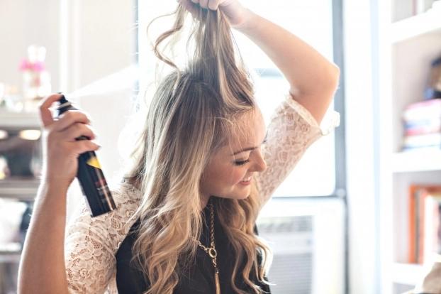 Mẹo thoát khỏi bết tóc chỉ trong 3 phút không cần gội đầu - Ảnh 2
