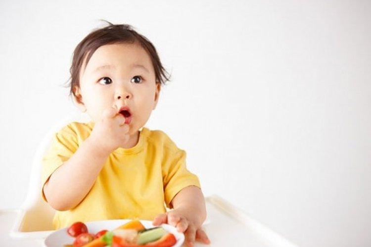 Thực đơn ăn dặm cho bé 10 tháng tuổi cân bằng, khoa học giúp cân nặng tăng nhanh - Ảnh 2