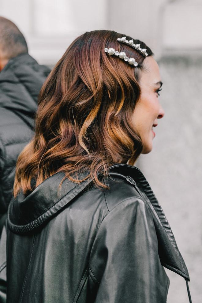 Mái tóc sẽ không còn nhàm chán với trào lưu kẹp tóc màu sắc sành điệu - Ảnh 1