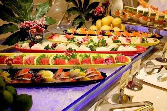 Dù thích đến mấy nhưng 4 món này không nên ăn khi đi thưởng thức buffet - Ảnh 1
