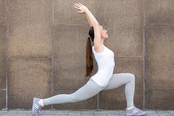 6 bài tập yoga đánh bay mỡ bụng cho các cô nàng mê ăn đêm, nghiền trà sữa - Ảnh 4