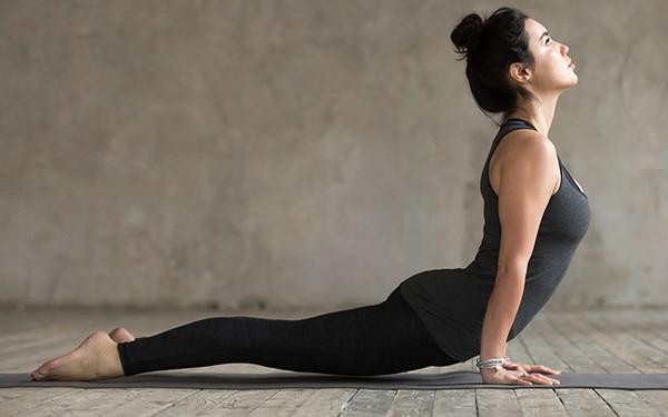 6 bài tập yoga đánh bay mỡ bụng cho các cô nàng mê ăn đêm, nghiền trà sữa - Ảnh 6