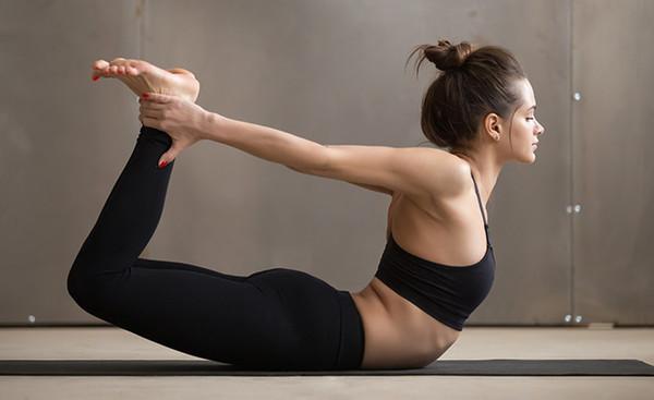 6 bài tập yoga đánh bay mỡ bụng cho các cô nàng mê ăn đêm, nghiền trà sữa - Ảnh 7