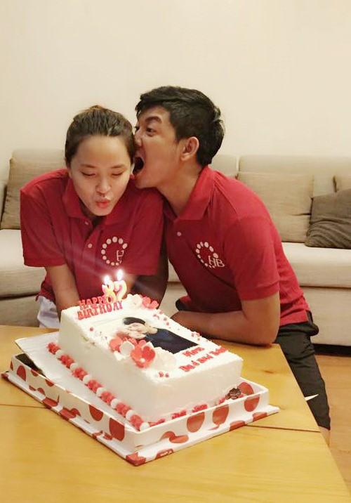 Hải Băng khoá môi Thành Đạt cực lãng mạn trong ngày sinh nhật tròn 35 tuổi của chồng - Ảnh 2