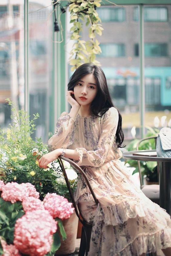 Những xu hướng váy hoa hứa hẹn gây bão trong mùa hè 2019, cứ mặc vào là chuẩn xinh - Ảnh 6