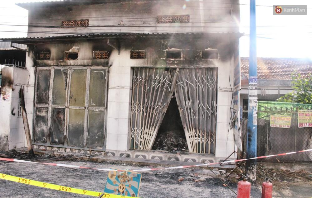 """Sự ám ảnh của nhân chứng vụ cháy khiến bé gái 10 tuổi tử vong cùng bố mẹ: """"Tiếng kêu cứu lịm dần rồi tắt hẳn trong biển lửa... - Ảnh 1"""