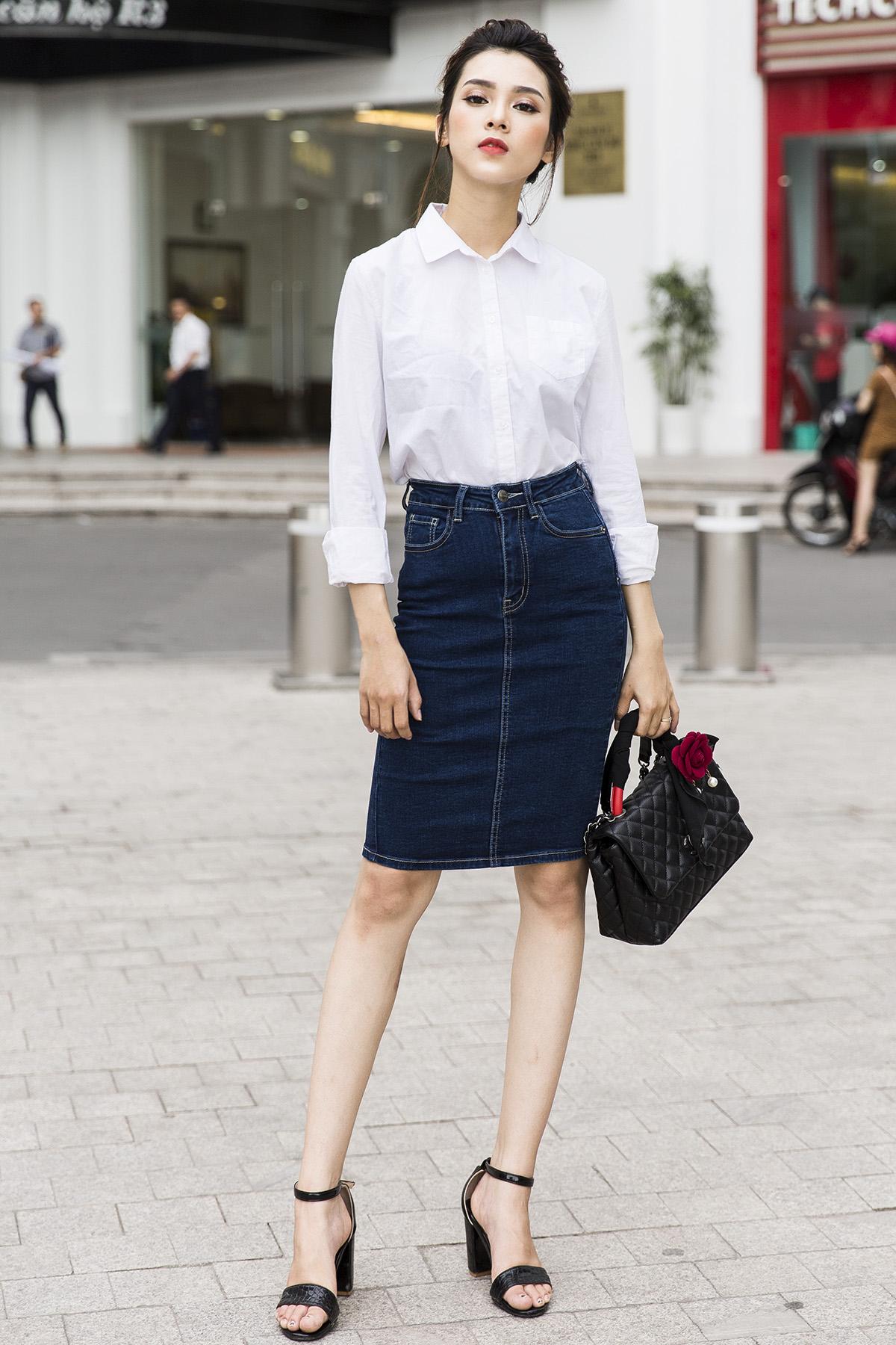 Phối đồ với chân váy jean: Vừa cá tính vừa cổ điển lại cực kỳ năng động - Ảnh 1