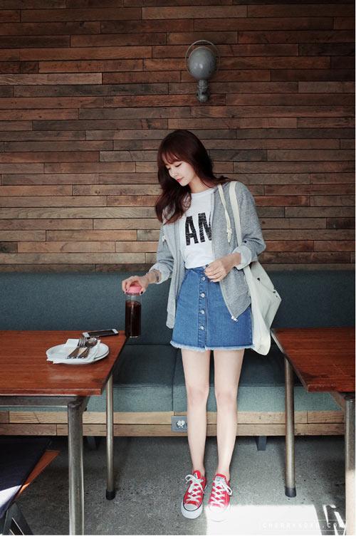 Phối đồ với chân váy jean: Vừa cá tính vừa cổ điển lại cực kỳ năng động - Ảnh 10