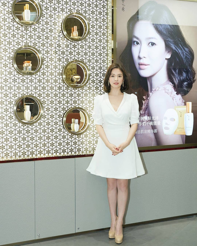 Chỉ trung thành với giày màu nude, nhưng hóa ra đây là cách mà Song Hye Kyo diện đẹp mọi bộ đồ - Ảnh 1