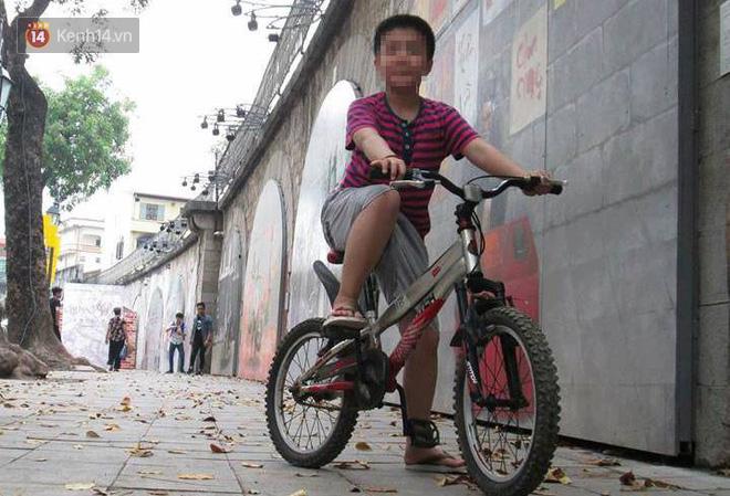 Cuộc sống của bé trai 10 tuổi bị bố và mẹ kế bạo hành đến rạn sọ não ở Hà Nội giờ ra sao? - Ảnh 4