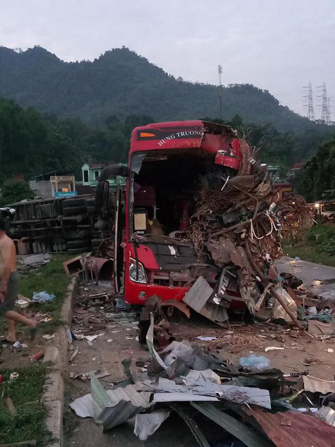 Hiện trường ám ảnh trong vụ tai nạn kinh hoàng ở Hòa Bình: Hé lộ danh tính các nạn nhân - Ảnh 9