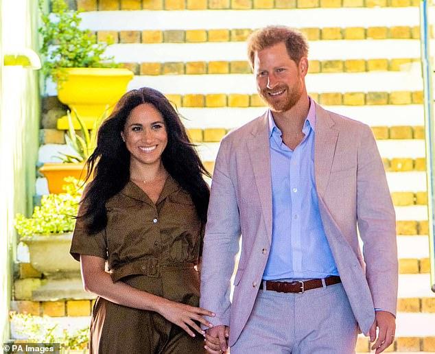 Bạn thân của Công nương Diana lên tiếng chối bỏ việc giúp đỡ vợ chồng Meghan Markle ở Mỹ khiến cặp đôi xấu hổ - Ảnh 2