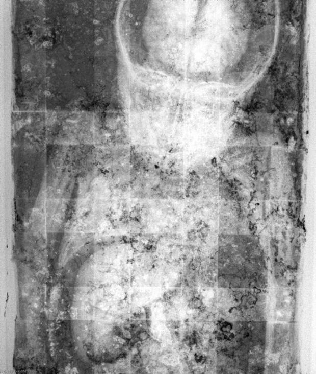 Bí ẩn xác ướp bé gái xinh xắn được ví như phiên bản thật của 'Công chúa ngủ trong rừng', 100 năm tuổi vẫn còn chớp mắt - Ảnh 6