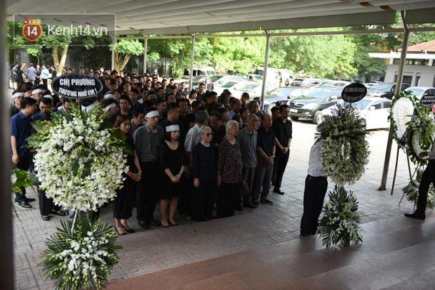 Đám tang BTV/MC Diệu Linh: MC Long Vũ và MC Quang Minh đến sớm để nói lời tạm biệt với người em đồng nghiệp - Ảnh 3