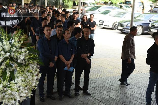 Đám tang BTV/MC Diệu Linh: MC Long Vũ và MC Quang Minh đến sớm để nói lời tạm biệt với người em đồng nghiệp - Ảnh 4