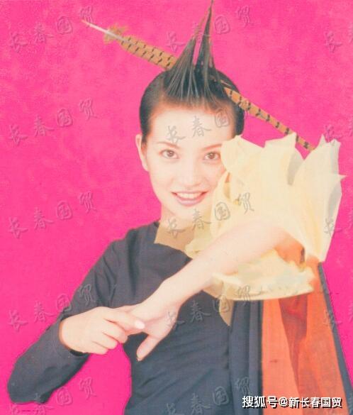 Loạt hình cách đây 20 năm của Triệu Vy bất ngờ bị 'đào mộ', không ngờ nàng 'Én Nhỏ' cũng từng có lúc khiến fan hú hồn thế này - Ảnh 1