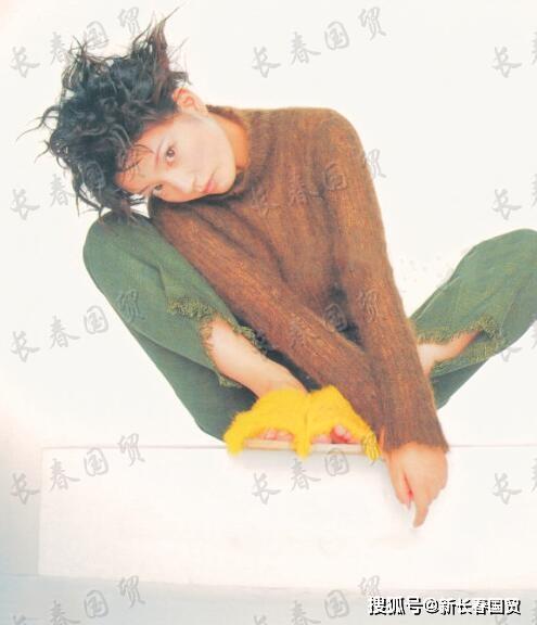Loạt hình cách đây 20 năm của Triệu Vy bất ngờ bị 'đào mộ', không ngờ nàng 'Én Nhỏ' cũng từng có lúc khiến fan hú hồn thế này - Ảnh 2