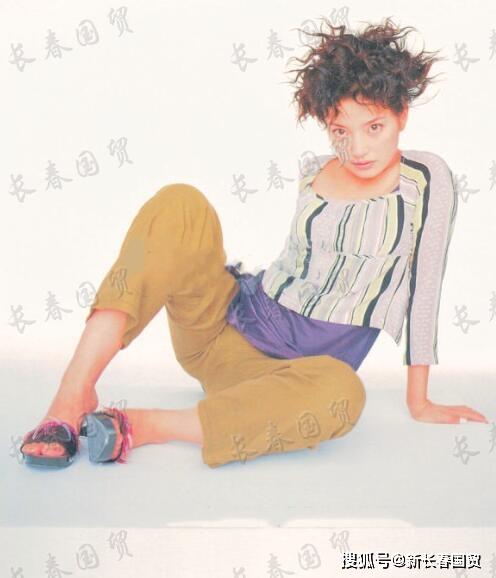 Loạt hình cách đây 20 năm của Triệu Vy bất ngờ bị 'đào mộ', không ngờ nàng 'Én Nhỏ' cũng từng có lúc khiến fan hú hồn thế này - Ảnh 3