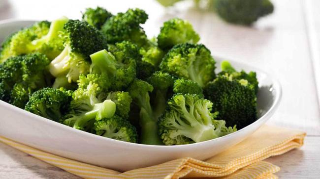 Tỏi, cà chua, bông cải xanh là những thực phẩm tốt cho sức khỏe, nhưng nếu chế biến và ăn sai cách thế này thì chẳng còn dinh dưỡng nữa - Ảnh 4