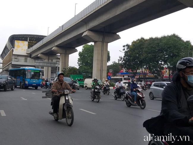Vụ thai phụ 32 tuần mất con trong tai nạn ở Hà Nội: Gia đình chưa cho người mẹ biết chuyện - Ảnh 4