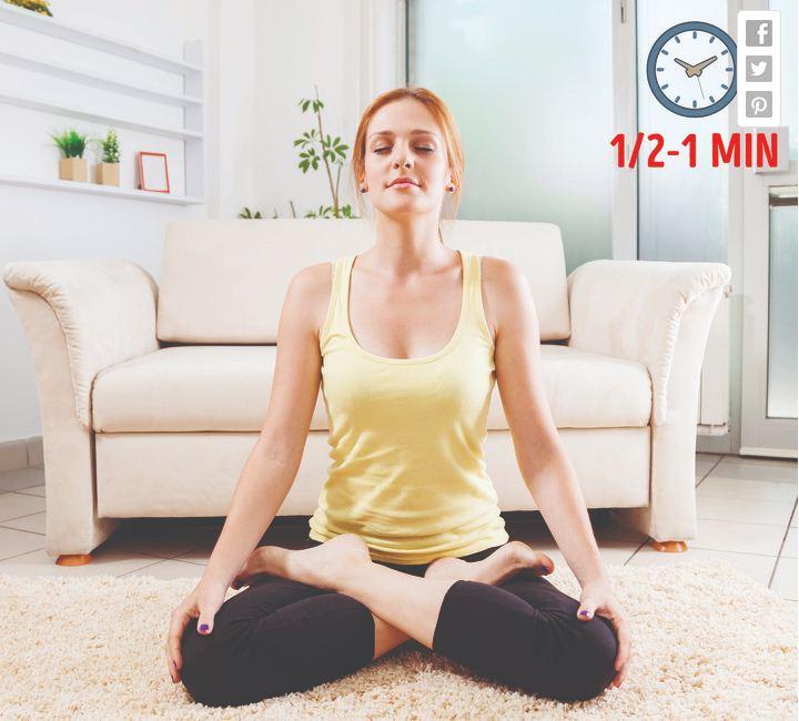 6 bài tập yoga chỉ cần ngồi hít thở, không vận động hay ăn kiêng, mỡ bụng cũng giảm hết giúp eo thon như Ngọc Trinh - Ảnh 3