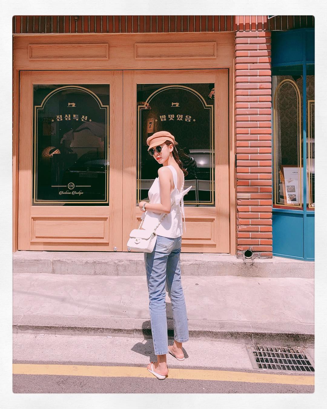 Đừng nghĩ mặc jeans là không điệu được, cứ nhìn các nàng blogger lên đồ cực xinh qua 15 set đồ này sẽ biết ngay - Ảnh 11