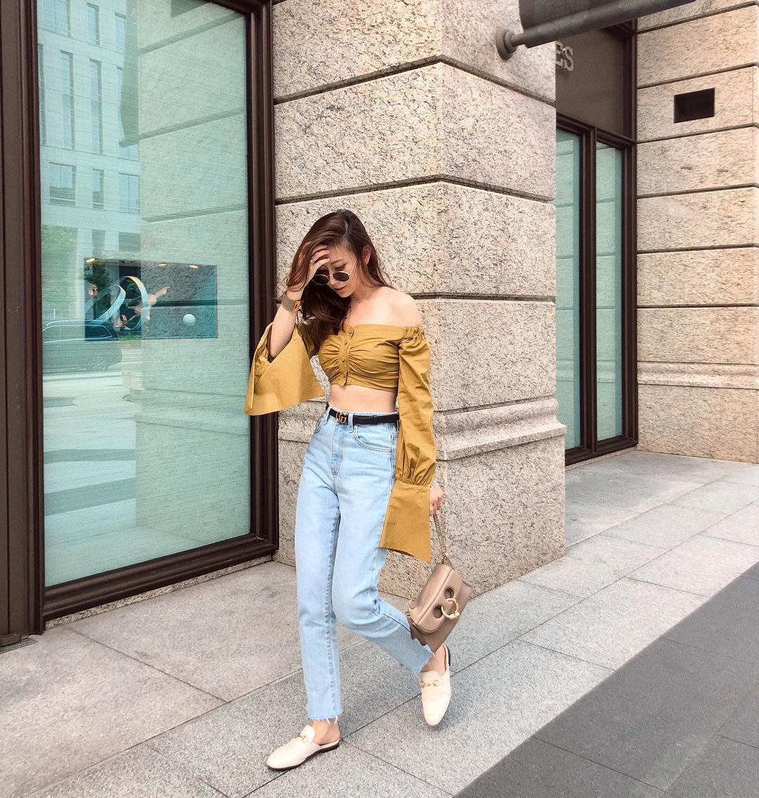 Đừng nghĩ mặc jeans là không điệu được, cứ nhìn các nàng blogger lên đồ cực xinh qua 15 set đồ này sẽ biết ngay - Ảnh 15