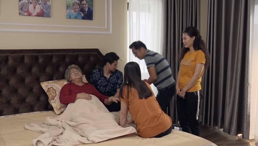 'Nàng dâu order' tập cuối: Lan Phương ngất xỉu khi chứng kiến cả bà nội lẫn bố chồng khóc lóc, van xin - Ảnh 1