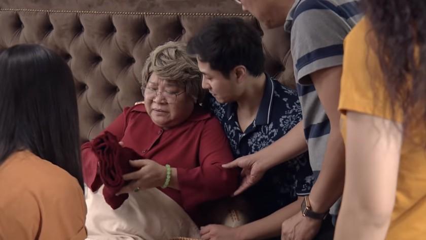 'Nàng dâu order' tập cuối: Lan Phương ngất xỉu khi chứng kiến cả bà nội lẫn bố chồng khóc lóc, van xin - Ảnh 2