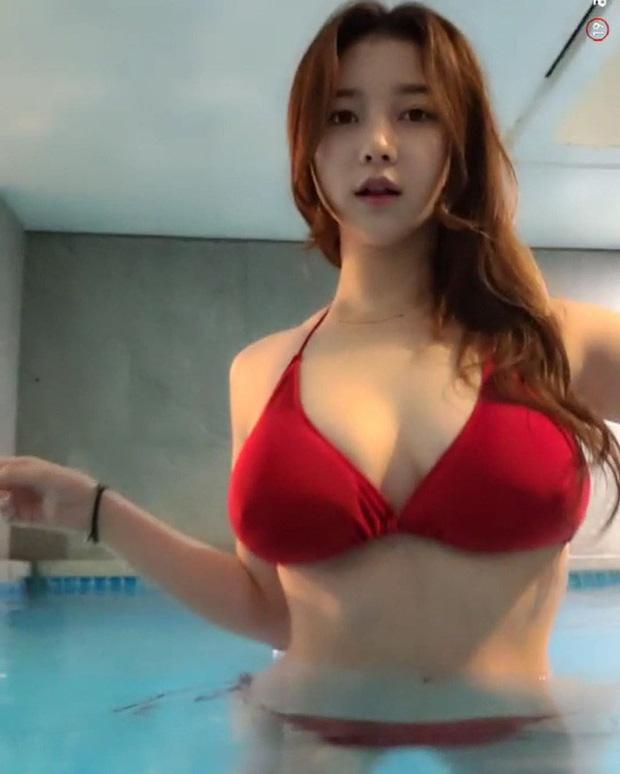 Bị fan nghi ngờ về việc 'hack cheat vòng một', nữ streamer xinh đẹp livestream luôn cảnh vào bệnh viện chứng thực ngực tự nhiên - Ảnh 8