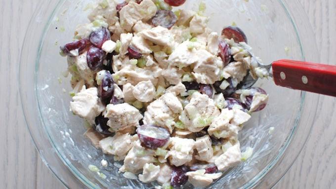 Ghim ngay công thức làm 2 món salad gà cực ngon cực dễ - Ảnh 2
