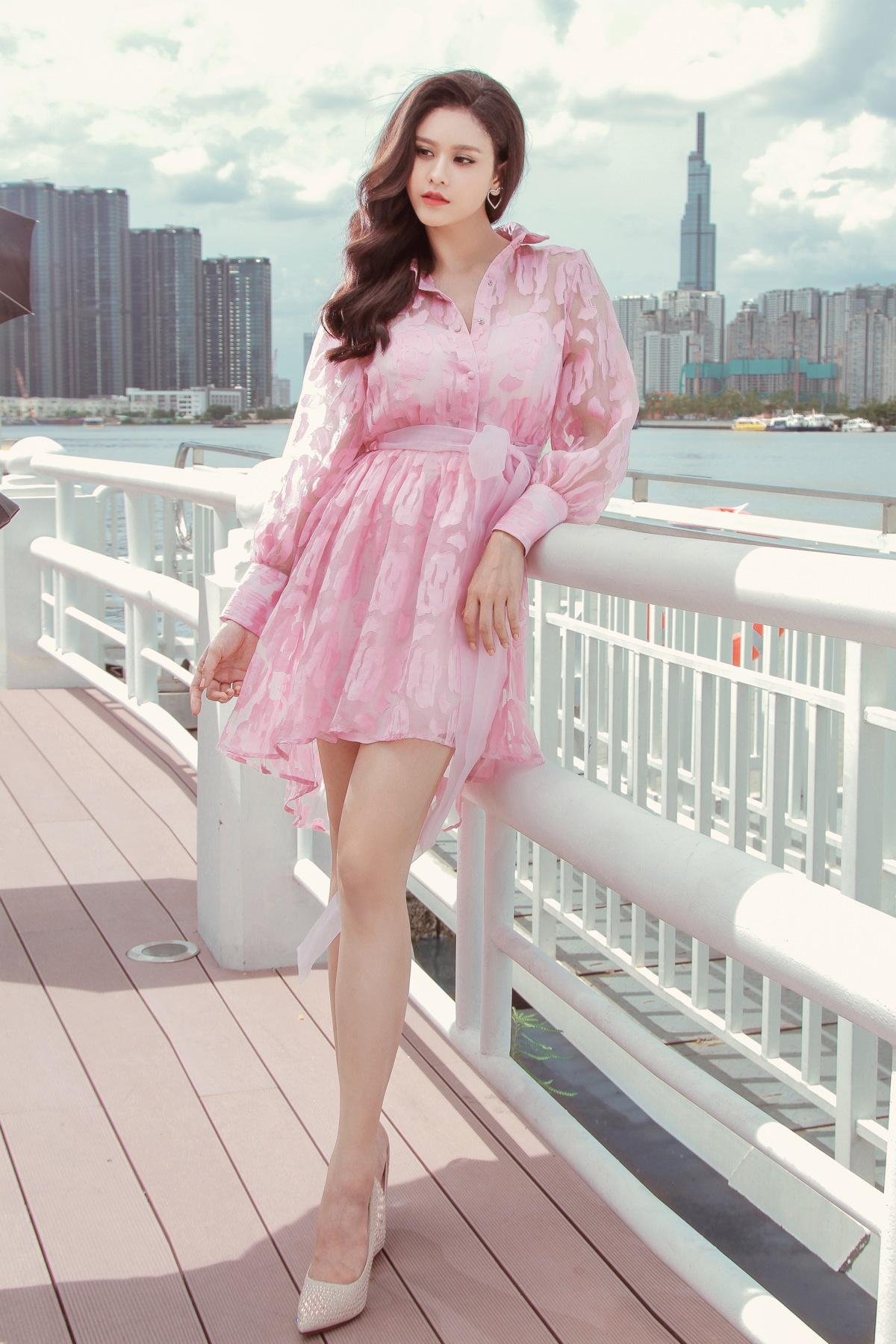 Trương Quỳnh Anh khoe vẻ đẹp mong manh như sương mai hậu ly hôn - Ảnh 3