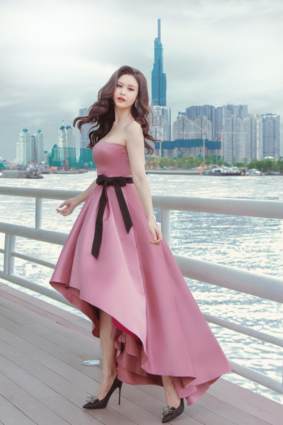 Trương Quỳnh Anh khoe vẻ đẹp mong manh như sương mai hậu ly hôn - Ảnh 4