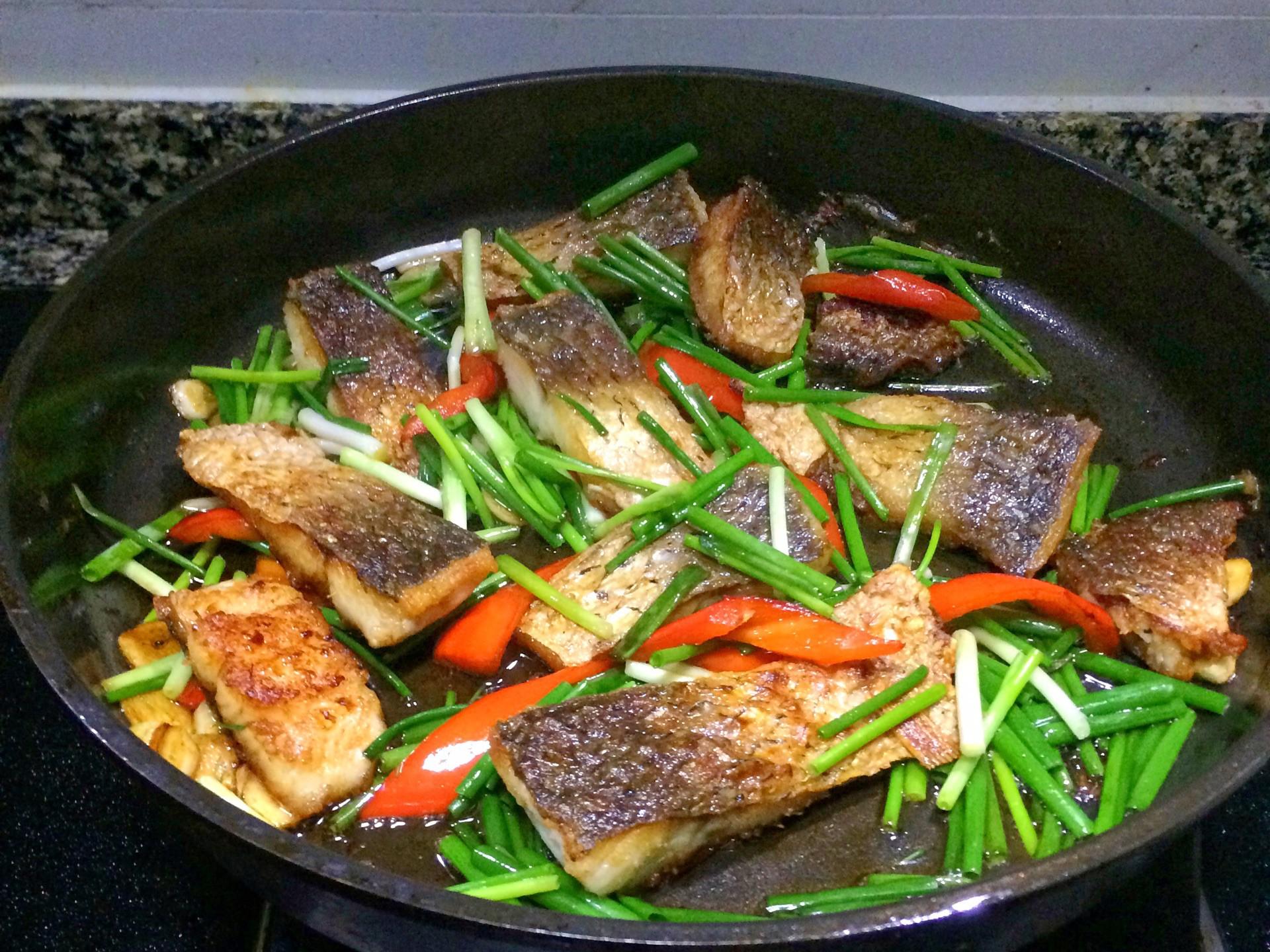Cá chiên cay: Làm món nhậu ngon xuất sắc, ăn với cơm ngon bá cháy! - Ảnh 5