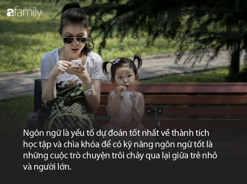 ĐỌC NGAY: Nghiên cứu cho thấy, bố mẹ mải mê lướt điện thoại, con cái sẽ có thành tích học tập kém - Ảnh 2