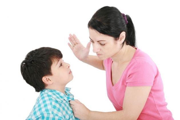 Làm sai bài tập, bé 8 tuổi bị mẹ đánh nhẹ vào đầu ai ngờ tử vong trong nháy mắt - Ảnh 1
