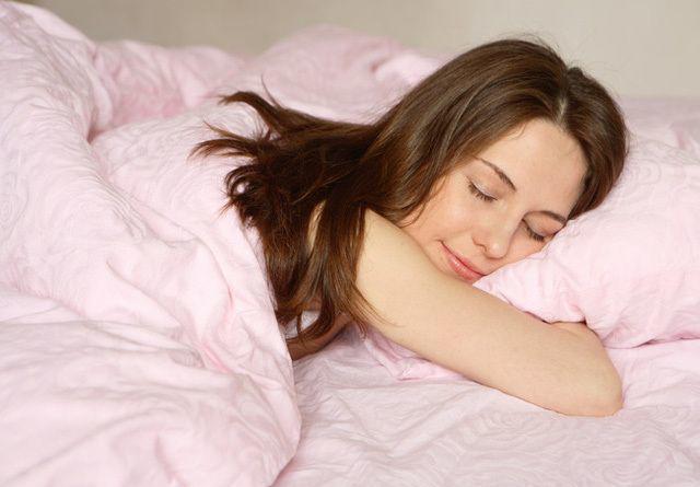 Uống trăm viên thuốc bổ chưa chắc tốt bằng nhỏ 2 giọt dầu gió vào rốn trước khi ngủ - Ảnh 2