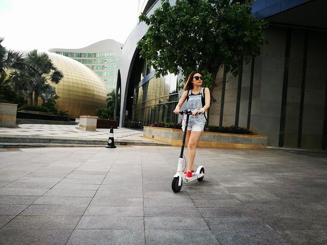 """Phục lăn tài hack tuổi của Hà Tăng, Thanh Hằng, Mỹ Tâm: Đã ngoài 30 mà vẫn tự tin mặc quần yếm """"cute lạc lối"""" - Ảnh 3"""