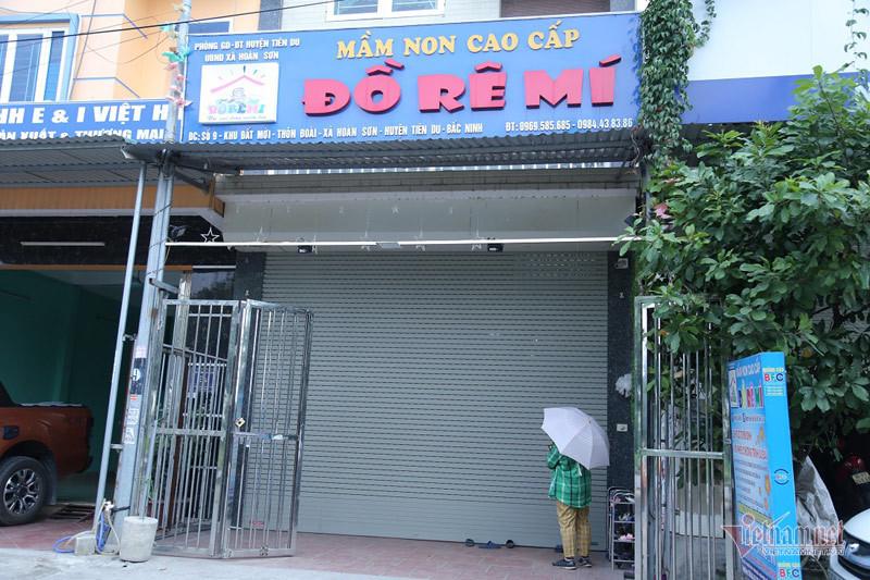 Tạm đình chỉ cơ sở mầm non để quên bé 3 tuổi trên xe ở Bắc Ninh - Ảnh 1