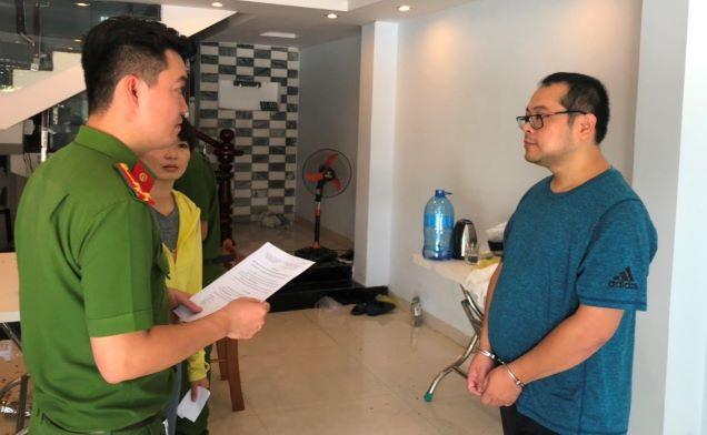 Thuê gái trẻ đóng 'phim sex', 5 người Trung Quốc bị bắt - Ảnh 1