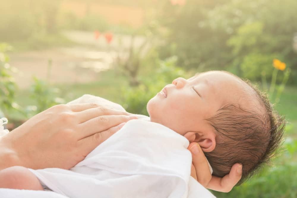 Vitamin D cho trẻ sơ sinh: Dấu hiệu thiếu hụt và cách thức bổ sung - Ảnh 3