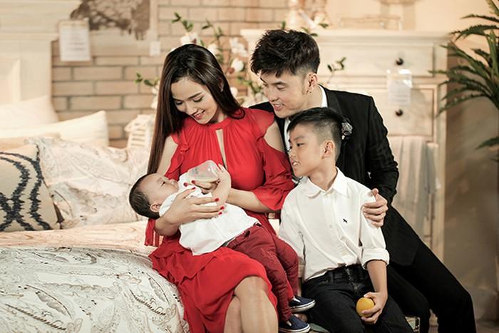 Ngắm biệt thự sang trọng Ưng Hoàng Phúc đang sống cùng vợ và hai con - Ảnh 4