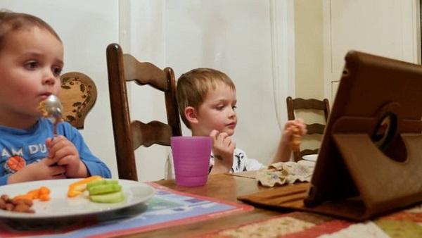 5 nguyên nhân không ngờ khiến trẻ biếng ăn chậm lớn - Ảnh 1