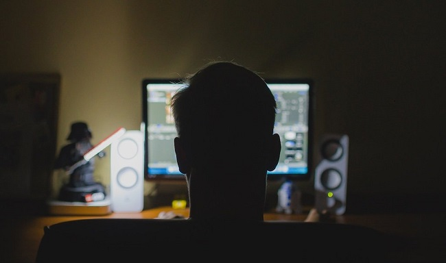 Những thủ đoạn hacker dùng để chiếm đoạt tài sản ngân hàng - Ảnh 1