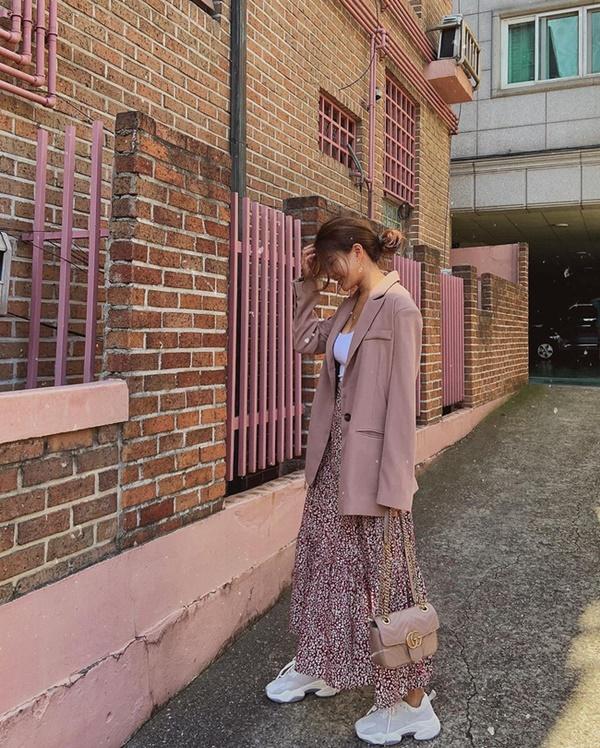 Ý tưởng diện blazer với chân váy siêu xinh dành cho chị em công sở - Ảnh 5